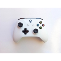 Геймпад Microsoft Xbox One S Wireless Controller (rev. V3)