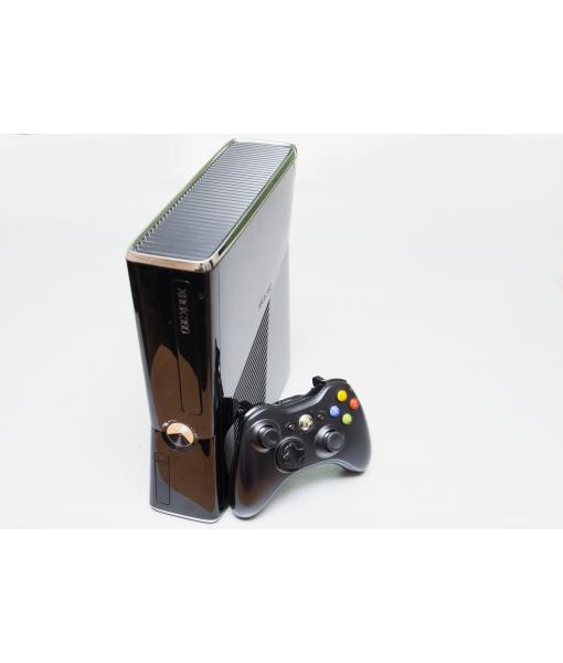 Игровая консоль  XBOX 360 Slim 500gb + 2й геймпад